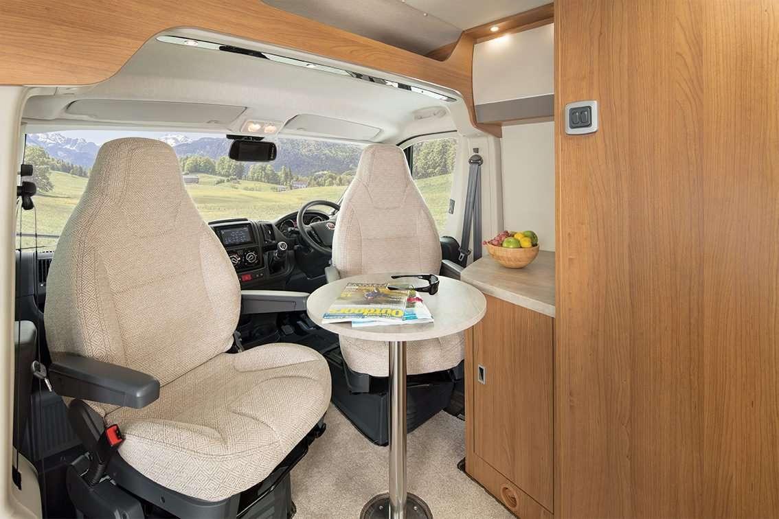 interior Auto Trail vline 635 swivel seating