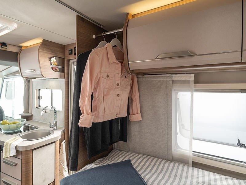 Van-i-550MF interior