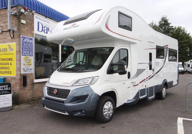 2018 - Roller Team - Auto-Roller 746 Exterior Front View - 35097